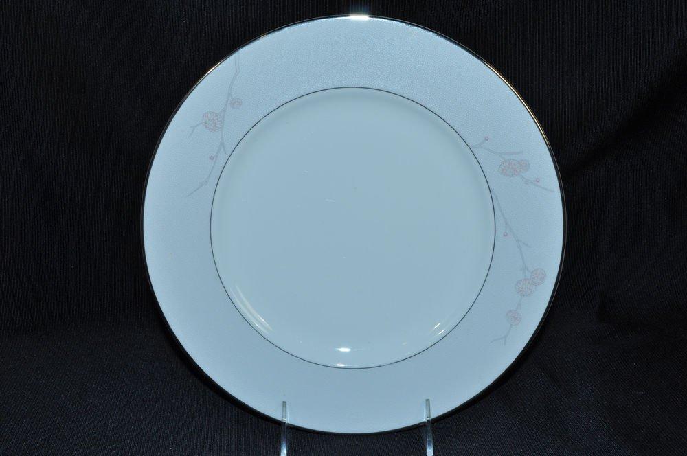 WATERFORD Fine China Chrysanthemum Dinner Plate  New