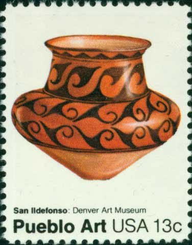 Scott #1707 AMERICAN FOLK ART - San Ildefonso pot 1977 single stamp denomination: 13¢