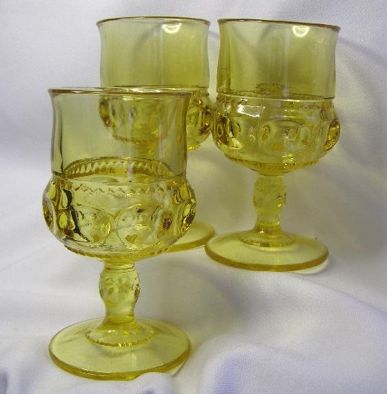 3 Vintage Yellow Kings Crown  Pattern  Footed Goblets