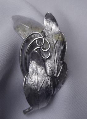 Vintage Naturalistic Pastelli Brooch
