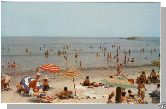NANTASKET BEACH, MASS/MA POSTCARD, Beach/Water/Swimmers