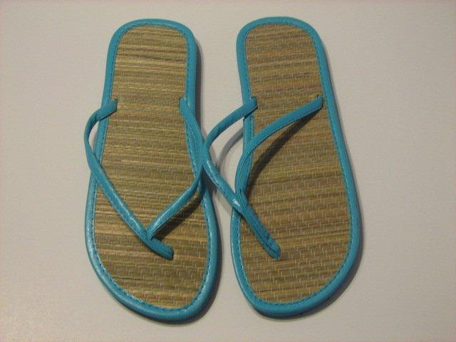 Women's Aqua Bamboo Flip Flops Size 9