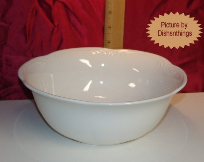 Pfaltzgraff FILIGREE 9 inch Serving Bowl NOS/USA!