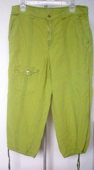 BRAND NEW CAPAGALLO light olive green capris size Large NWOT