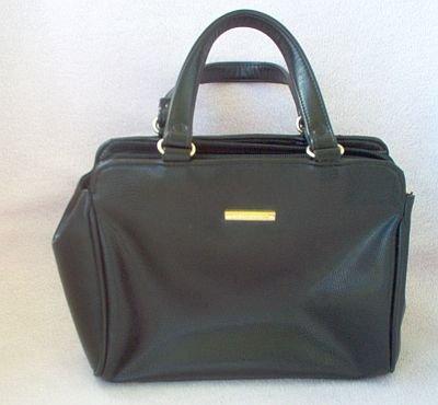 excellent condition black Liz Claiborne handbag bag purse collectible