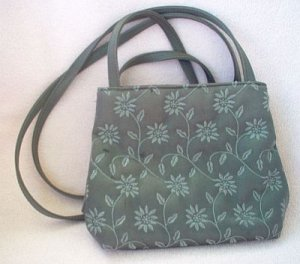excellent condition Nine West gray grey evening bag purse sexy small cute