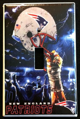 New England PATRIOTS LIGHT SWITCH COVER *Great Gift FOOTBALL single switch plate