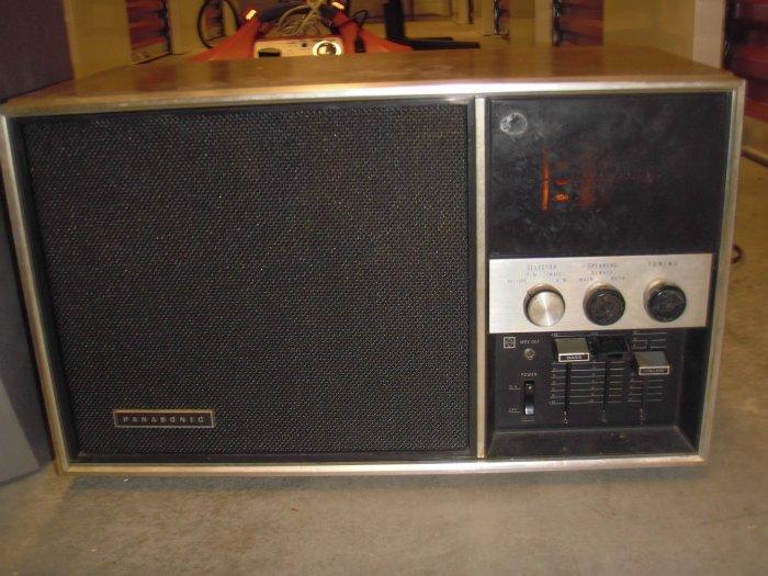 Vintage Panasonic 2 Band Radio