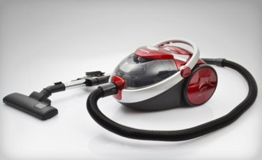 Black And Decker VCBD807 220 Volt Red Canister Vacuum (220V NON-US Compliant)