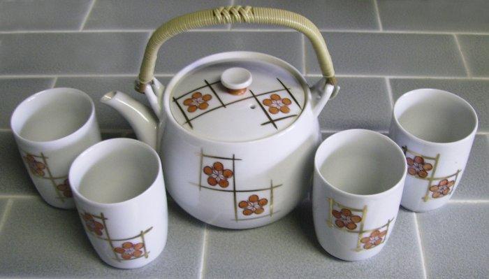 Tea Pot, 4 cups, made in Japan, Vintage, white, orange, gold
