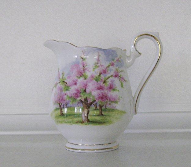 Royal Albert, Bone China, Blossom Time, Mini Creamer