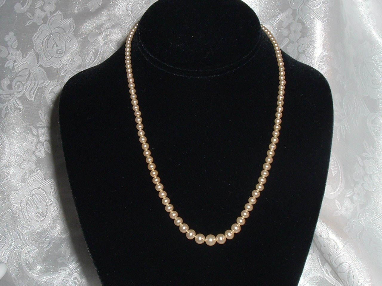 Vintage Faux Pearl & Rhinestone 17in. Necklace