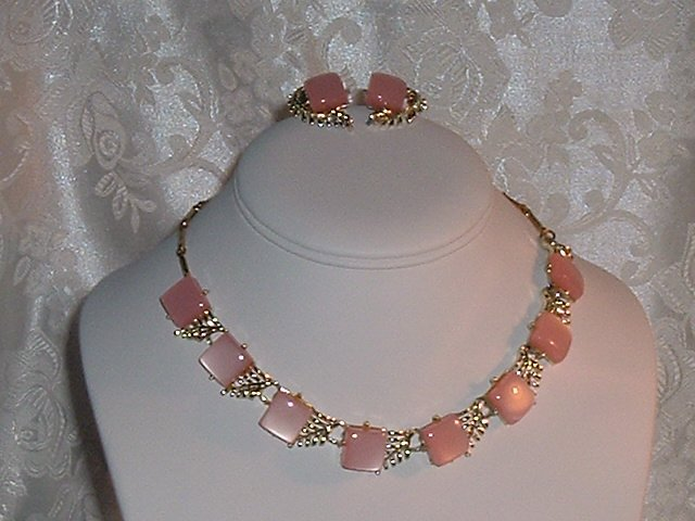 Vintage CORO Designer Rose Petal Pink Moonglow / Moonstone Necklace & Earring Set