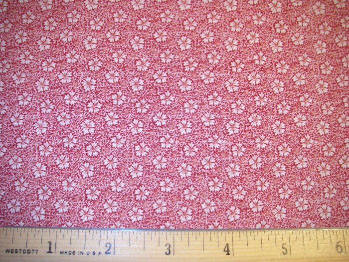 1.33 yard - Red fabric with white reproduction flowers - CRAFT QUALITY