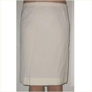 Dolce & Gabbana classic and cute cream skirt, 40