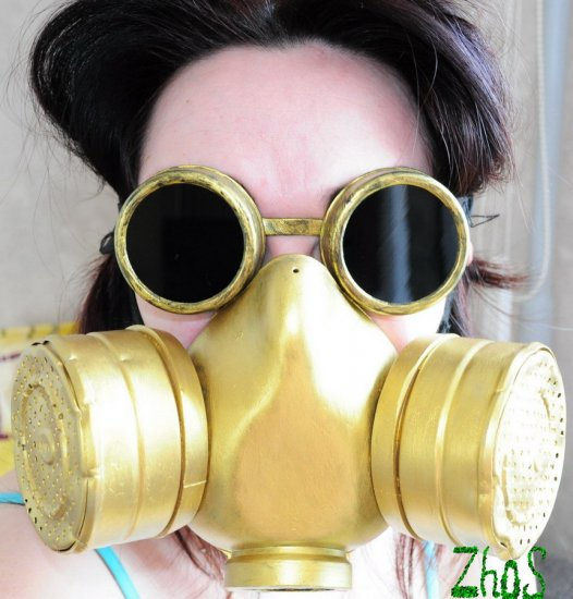 Gold Cyber Mask Cyber Goth Respirator Gas Mask and Steampunk Cyber Goggles