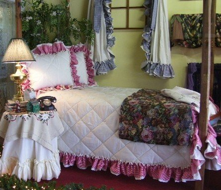 AMY DOUBLE RUFFLED GINGHAM BEDSPREAD - KING SIZE