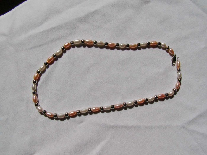 Oval and Pink Pearls Choker