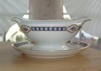 VINTAGE Thomas BAVARIA CHINA Stratford GRAVY BOAT With Attached UNDERPLATE ROSES