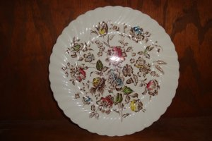 VINTAGE JOHNSON BROS. STAFFORDSHIRE BOUQUET DINNER PLATE