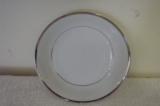 Harmony House Fine China Silver Melody Dinner Plate