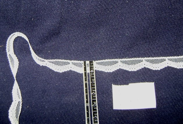 White lace -  flat lace with scallop, 1/2 inch  x  8 yds