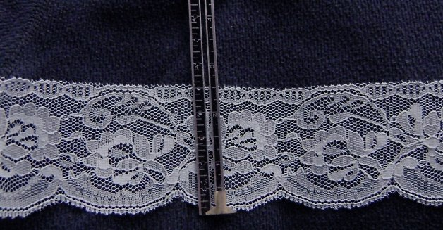 Flat  lace  -  baby blue, 2-1/2  inch width  x  5 yards