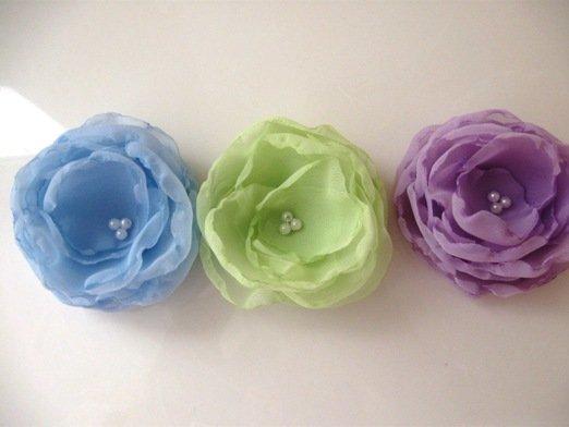 Fabric flower appliques