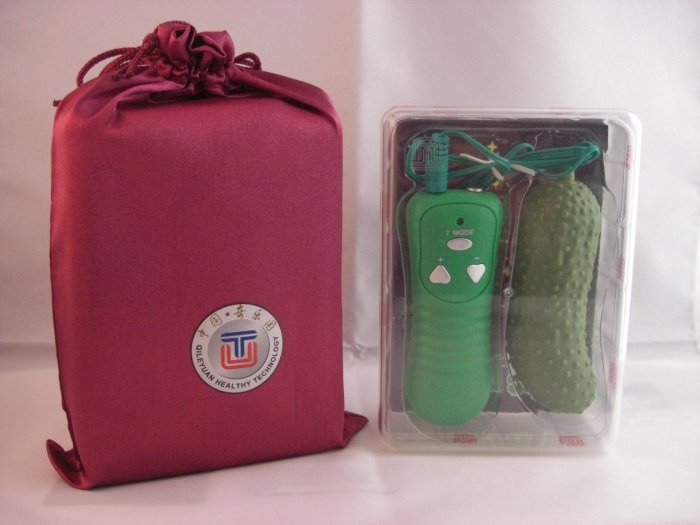 Cute Cucumber Vibrator - Gift Set