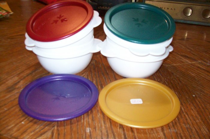 TUPPERWARE ONE TOUCH SERVING BOWL