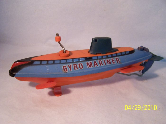 Wind-up Submarine Tub Toy