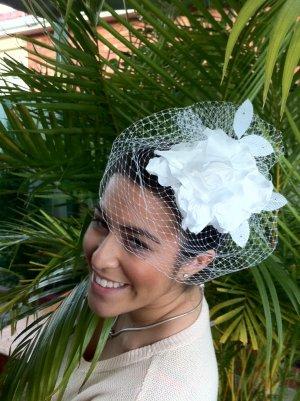 Elegant White Bridal Headpiece Fascinator