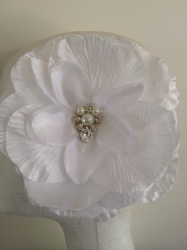 White Flower Fascinator Hair Clip with a Small Cluster of Rhinestone Center