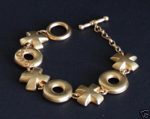 Vintage XOXO Gold Tone Toggle Clasp Bracelet