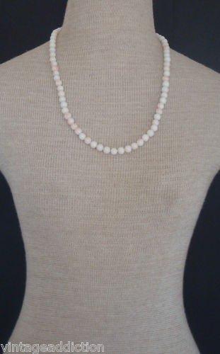 Classically Elegant Vintage White Art Glass Necklace