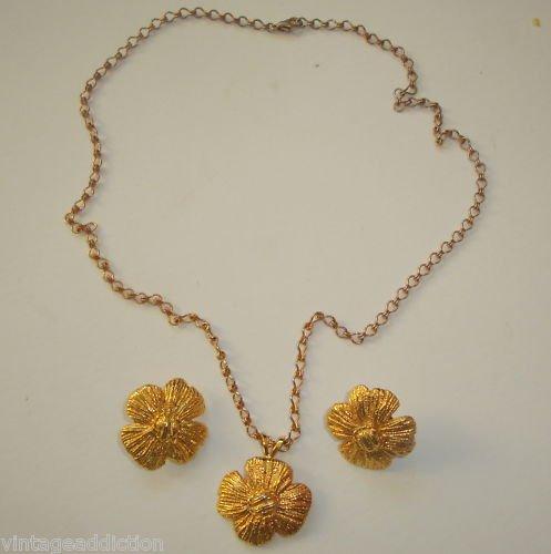 Vintage Golden  Metal Flower Necklace Earrings Set