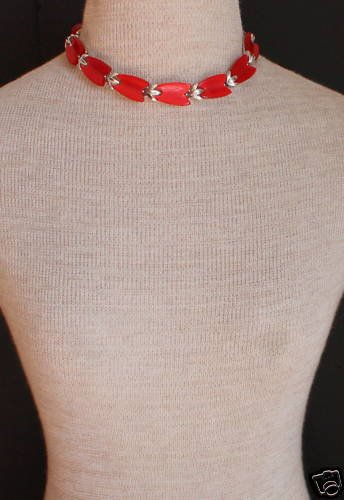 Vintage Lisner Red Tulip Thermoset Choker Necklace
