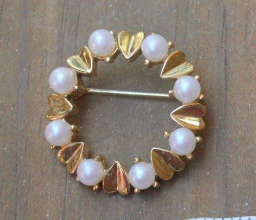Lovely Vintage  White Pearl & Golden Leaves Pin Brooch