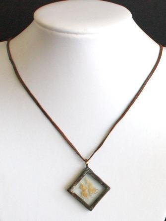 Vintage Rectangular Dried Flower Leather Necklace