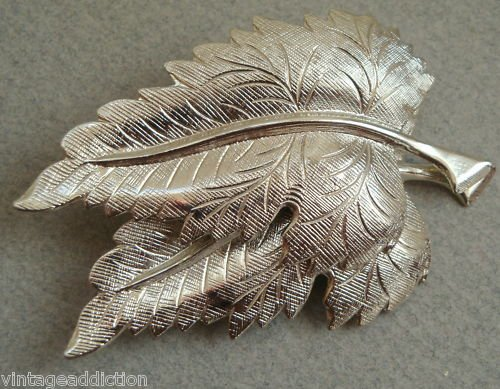 Elegant Vintage Silver Leaf Pin Brooch