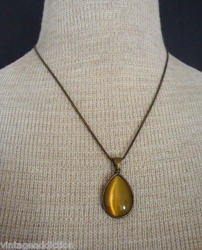 Feminine VIntage Green Olive Glass Pendant Necklace