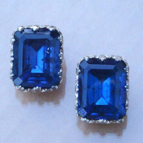 Vintage Chunky Navy Blue Glass Clip On earrings