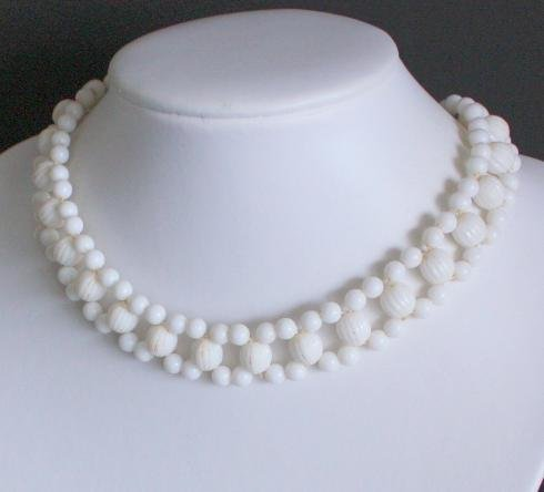 Vintage Art Deco White Beads Choker Necklace