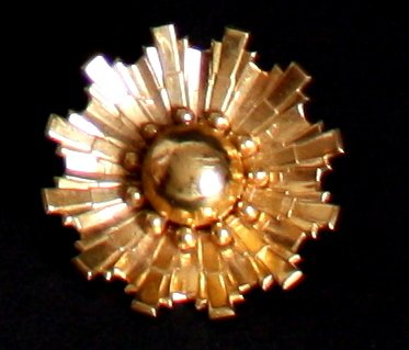 Vintage Coro Golden Metal Flower Pin/Brooch
