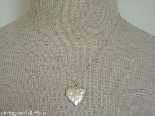 Cute Vintage Silver Tone Tiny Heart Locket