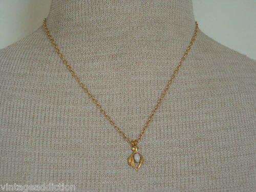 Vintage Delicate White Stone Cute Pendant Necklace
