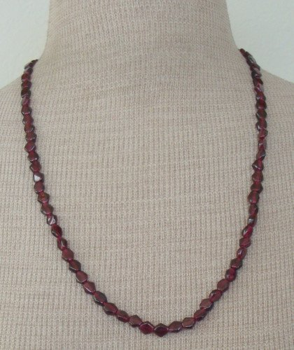 Chrming Vintage Purple Amethyst Like Glass Necklace