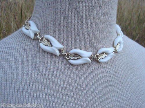 Vintage White Celluloid  Flower Choker Necklace