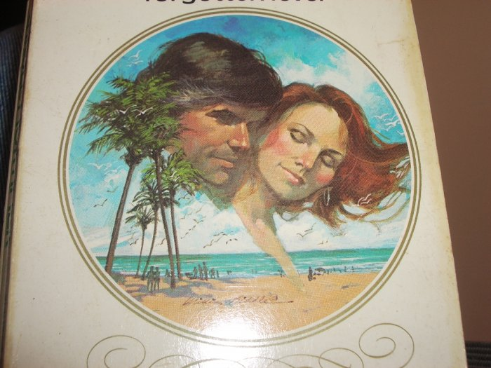 Forgotten Lover by CAROLE MORTIMER Harlequin Romance No. 539 1982