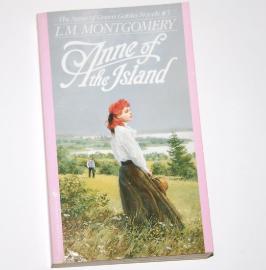 Anne of the Island by L M MONTGOMERY Children's Book 1992 Anne of Green Gables Series